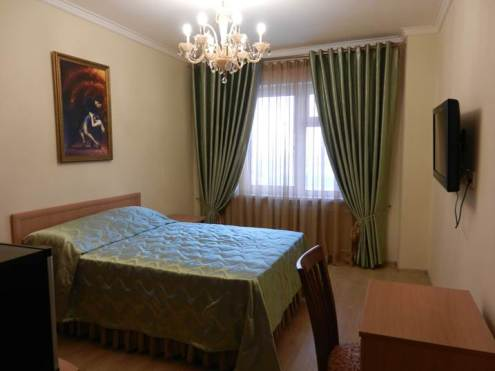 bravo-hotel-yakutsk-double-bedroom-9