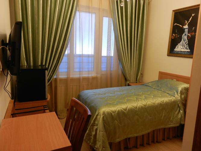 bravo-hotel-yakutsk-single-bedroom